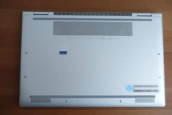 HP EliteBook x360 1040 G6底面部